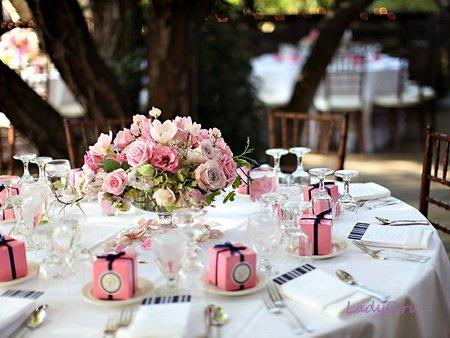 Как украсить на свадьбу столы